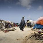 Eines der zahlreichen provisorischen Flüchtlingslager innerhalb der Hauptstadt Mogadischu.