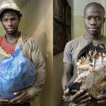Abdoulaye Sedy (24 Jahre aus Guinea Bissau) mit seinen Habseligkeiten. Seit 2014 war er in Algerien. Yaya Gasama (23 Jahre aus Gambia) mit seinen Habseligkeiten. Von 2016 war er in Algerien.