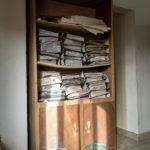 """Ein Aktenschrank im Büro der malischen Hilfsorganisation """"Association Malienne des Expulses""""."""
